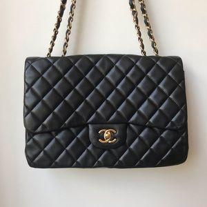Chanel jumbo classic single flap lambskin